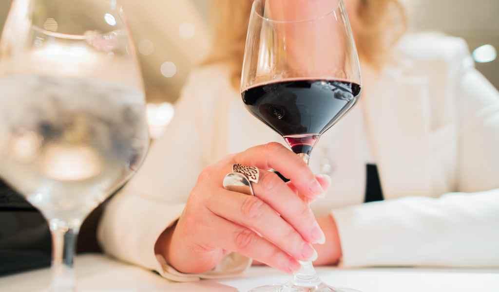 Лечение женского алкоголизма в Боровково анонимно