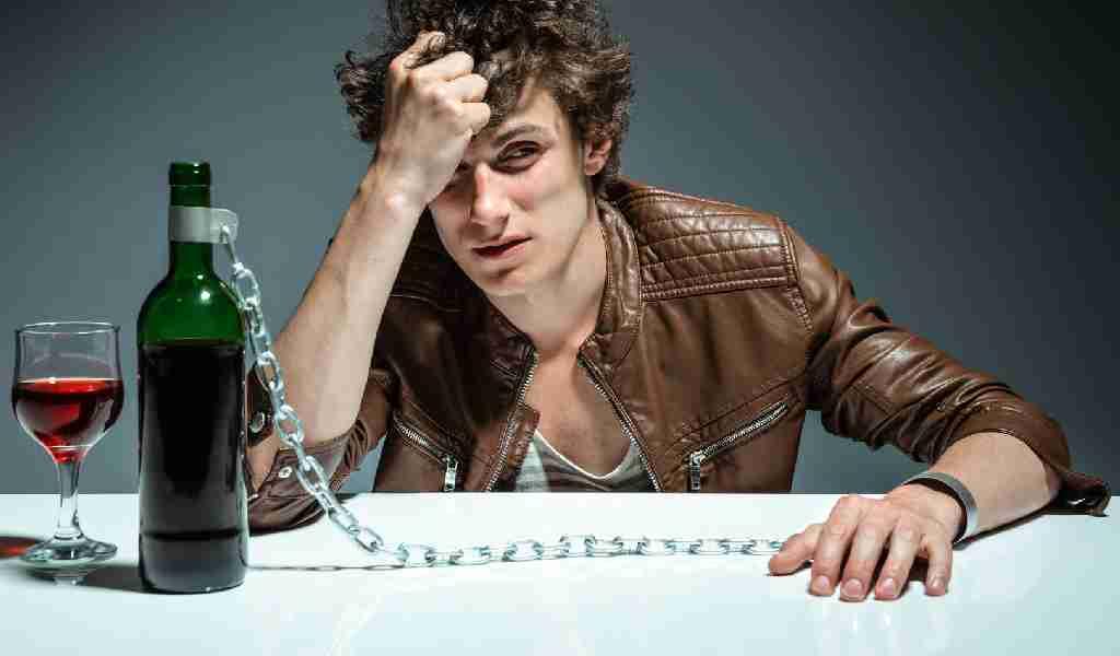 В чём отличие метилового и этилового спирта?